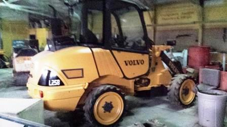 VOLVO L25B RT LOADER-0